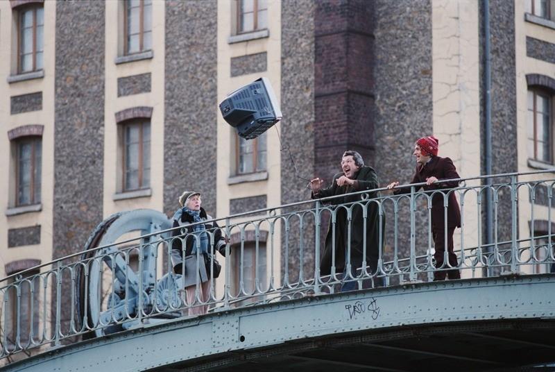 Alain Chabat con Gael García Bernal in una scena del film L'arte del sogno