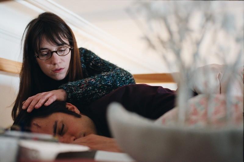 Gael García Bernal e Charlotte Gainsbourg in una scena del film L'arte del sogno