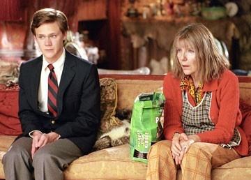 Joseph Cross e Jill Clayburgh in una scena del film Correndo con le forbici in mano