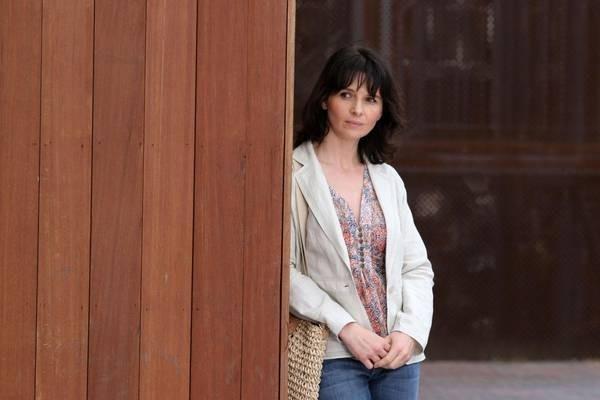 Juliette Binoche in una scena di Complicità e sospetti