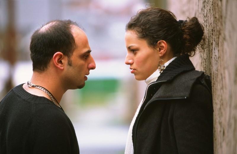 Samina Awan e Wasim Zakir in una scena di Love + Hate