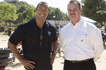 The Rock e il vero Sean Porter sul set del film La gang di Gridiron