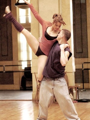 Channing Tatum e Jenna Dewan in una scena di Step Up