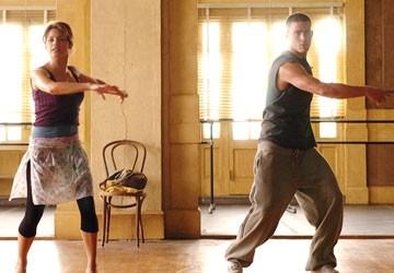 Channing Tatum e Jenna Dewan in una scena di Step Up