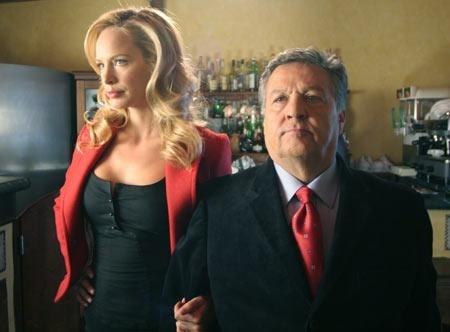 Renato Pozzetto e Camilla Sjoberg in una scena del film Un amore su misura