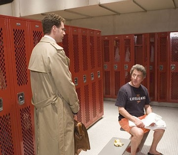 Will Ferrell con Dustin Hoffman in una scena di Vero come la finzione