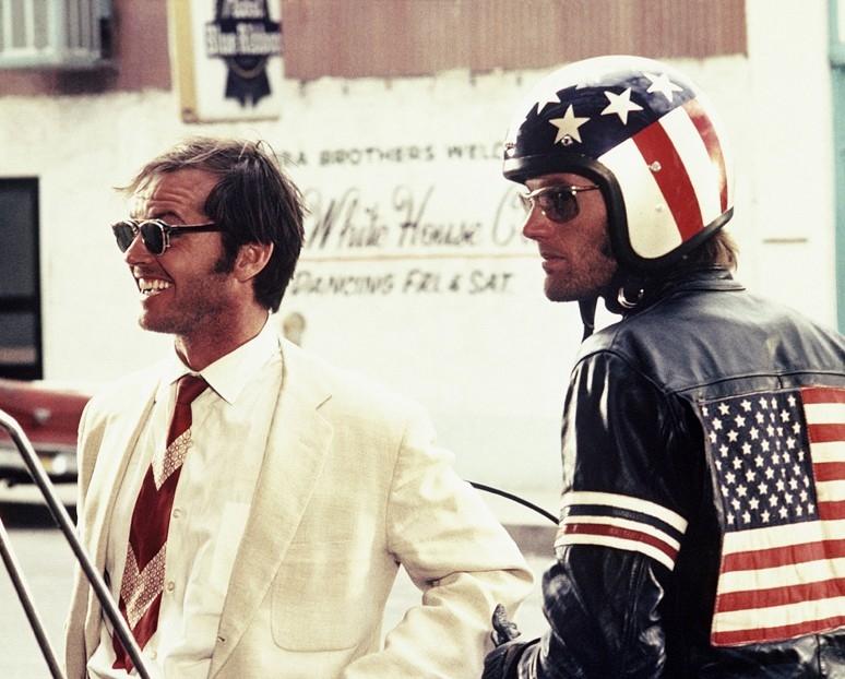 Jack Nicholson con Peter Fonda in una scena di Easy Rider