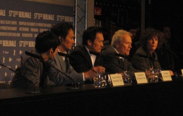 Ken Watanabe e Clint Eastwood in conferenza stampa a Berlino, per presentare Lettere da Iwo Jima