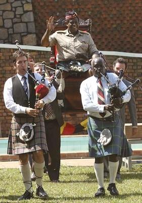Forest Whitaker in una scena de L´ultimo re di Scozia