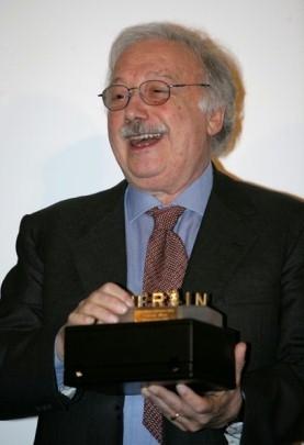 Gianni Miná  riceve la Berlinale Camera alla Berlinale 2007