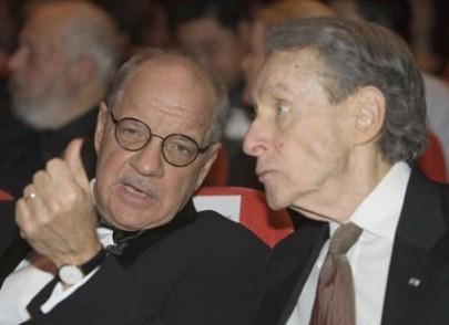 Paul Schrader e Arthur Penn, rispettivamente presiodente della giuria e orso d'oro alla carriera della 57° edizione del festival di Berlino