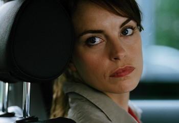 Nina Hoss in una scena del film Yella