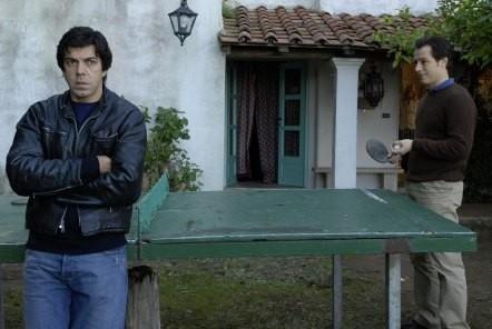 Stefano Accorsi e Pierfrancesco Favino in una scena di Saturno Contro