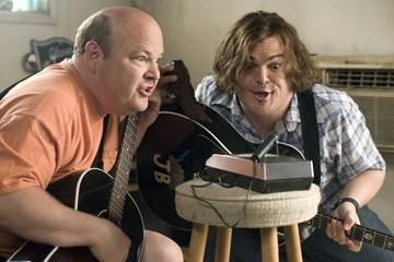 Jack Black e Kyle Gass in una sequenza di Tenacious D e il destino del rock