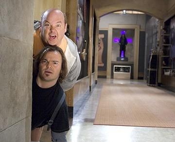 Jack Black e Kyle Gass in una sequenza della commedia musicale Tenacious D e il destino del rock