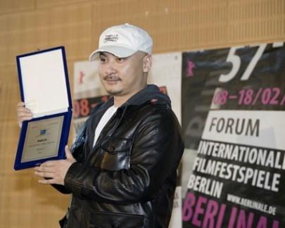 Wang Quanan riceve il premio della Giuria Ecumenica a Berlino per 'Tuya's Marriage'