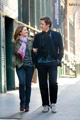 Drew Barrymore e Hugh Grant in una scena del film Scrivimi una canzone (2007)