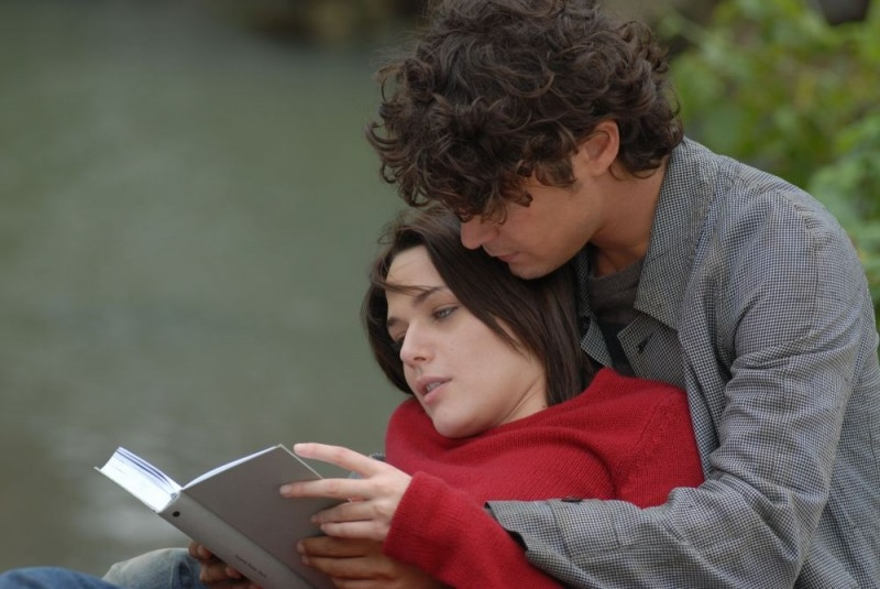 Riccardo Scamarcio e Laura Chiatti in una scena del film Ho voglia di te (2007)