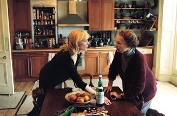 Cate Blanchett e Judi Dench in una scena del film Diario di uno scandalo