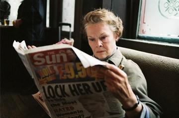 Judi Dench in una scena del film Diario di uno scandalo