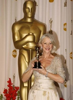 2007: Helen Mirren, Oscar come migliore attrice protagonista per The Queen