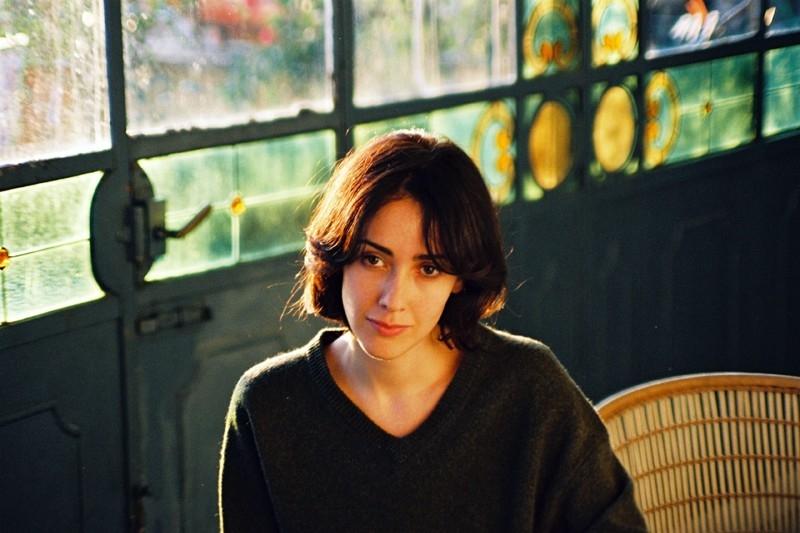 Anita Caprioli in una scena del film Uno su due
