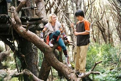 AnnaSophia Robb e Josh Hutcherson in Un ponte per Terabithia
