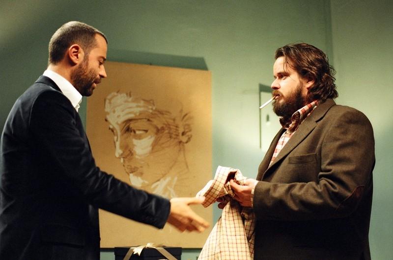 Fabio Volo e Giuseppe Battiston in una scena del film Uno su due