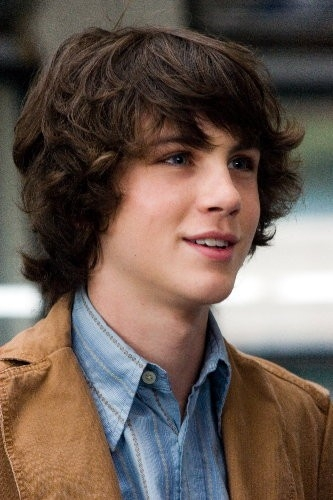Logan Lerman in una scena del film The Number 23