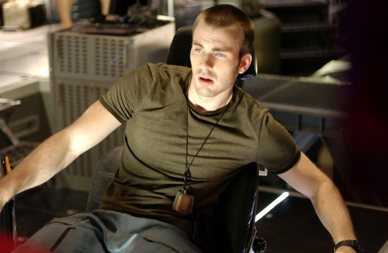 Chris Evans in una sequenza del film Sunshine