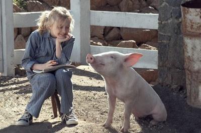 Dakota Fanning in una sequenza del film La tela di Carlotta