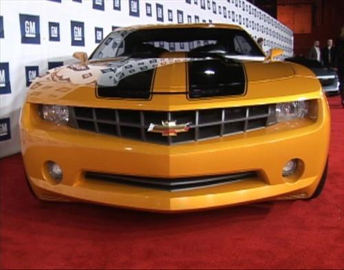 Il modello di auto Bumblebee presentato a Los Angeles dalla General Motor in occasione del film Transformers