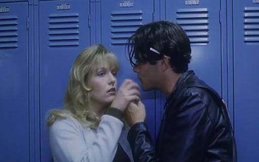 Sheryl Lee e Dana Ashbrook in una scena di FUOCO CAMMINA CON ME