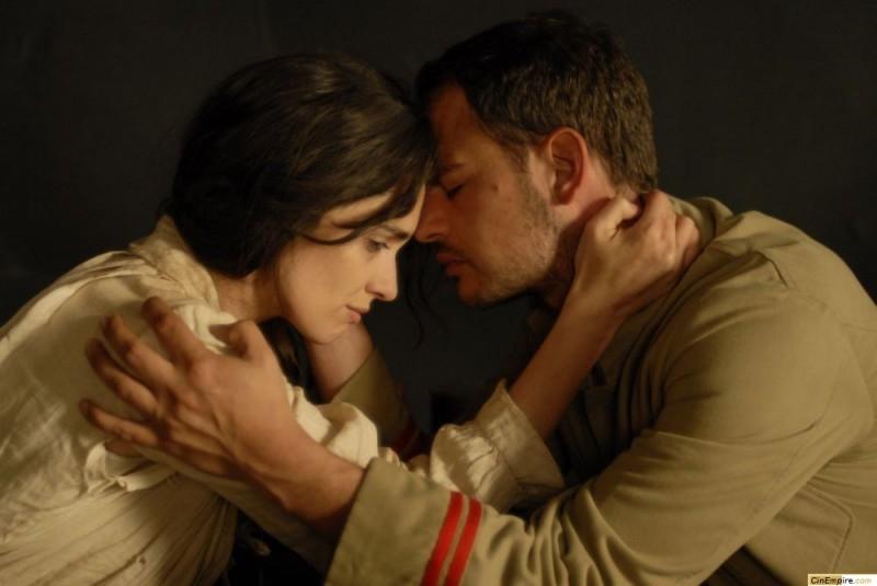 Paz Vega e Moritz Bleibtreu in una scena del film La masseria delle allodole