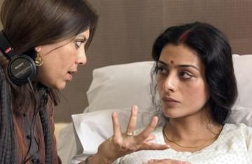 Mira Nair e Tabu sul set di The Namesake