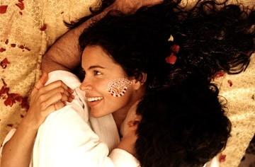 Zuleikha Robinson in una scena del film The Namesake - Il destino nel nome