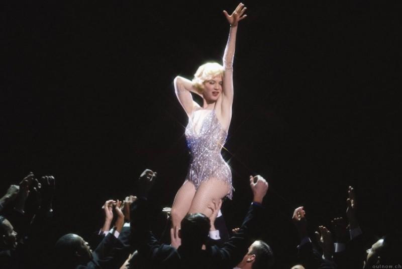 una scintillante Renee Zellweger in una scena di Chicago