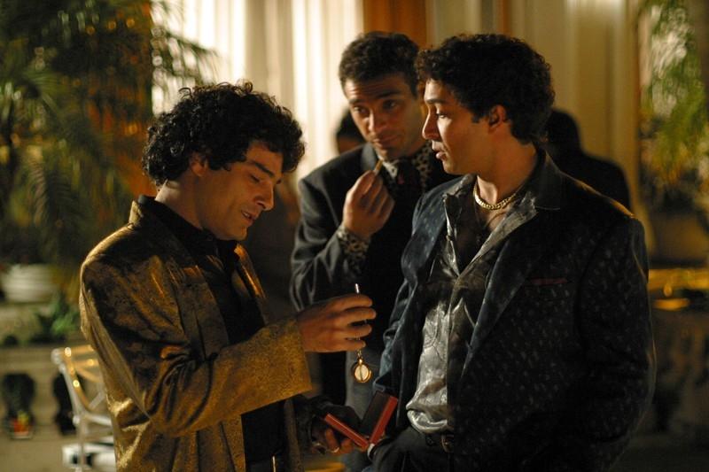 Marco Leonardi con Pietro Taricone in una scena del film Maradona, la mano di Dio
