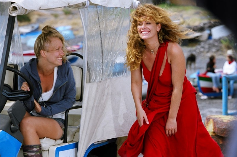 Vanessa Incontrada ed Elena Bouryka  in una scena di Tutte le donne della mia vita