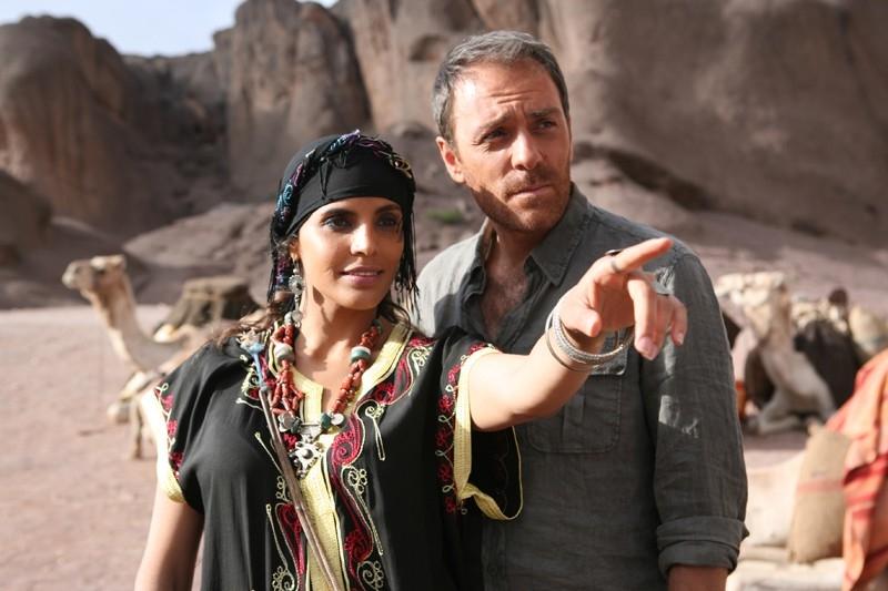 k. Edme Erwin Robles e Valerio Mastandrea in una scena del film Last Minute Marocco