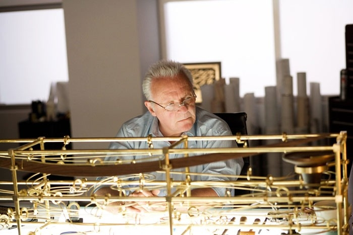 Anthony Hopkins in una sequenza del film Fracture