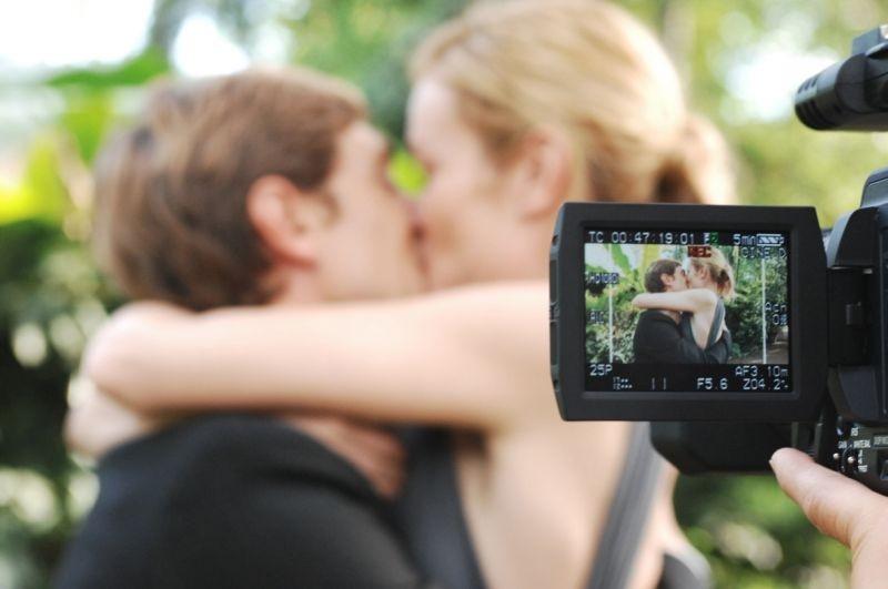 Stefania Rocca e Giorgio Pasotti in una scena del film Voce del verbo amore