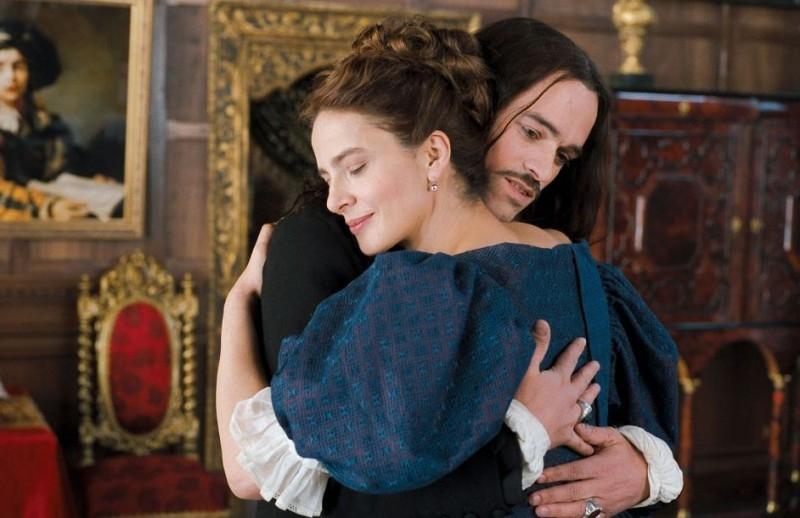 Laura Morante e Romain Duris in una scena de Le avventure galanti del giovane Moliere
