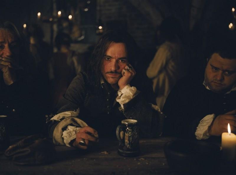 Romain Duris in una scena de Le avventure galanti del giovane Moliere (2007)