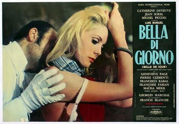 Catherine Deneuve in una lobbycard di Bella di giorno.