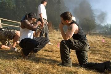Mark Wahlberg e Antoine Fuqua sul set di Shooter