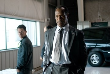 Mark Wahlberg e Danny Glover in una scena di Shooter