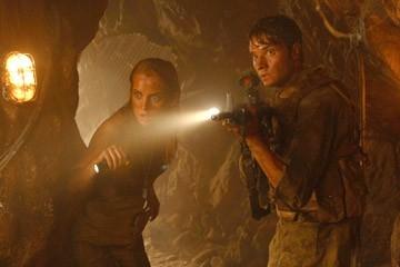 MIchael McMillian e Jessica Stroup in una scena di The Hills Have Eyes II