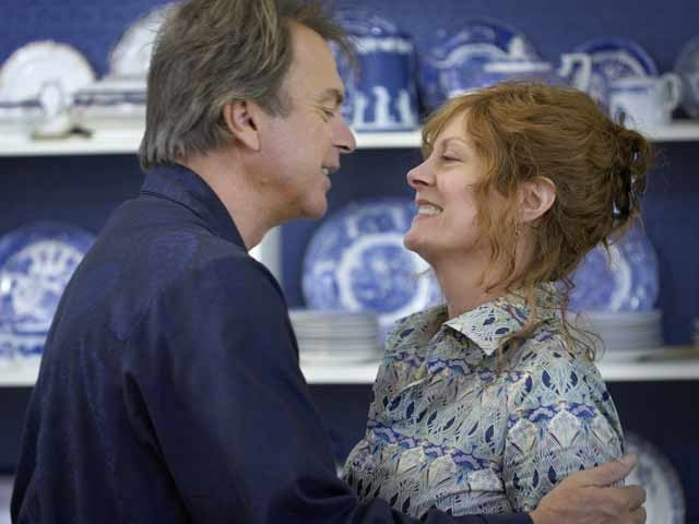 Susan Sarandon e Sam Neill in una scena del film Irresistible