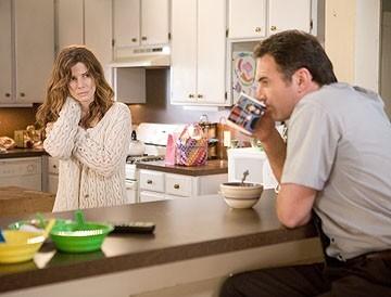 Sandra Bullock con Julian McMahon in una scena del film Premonition (2007)